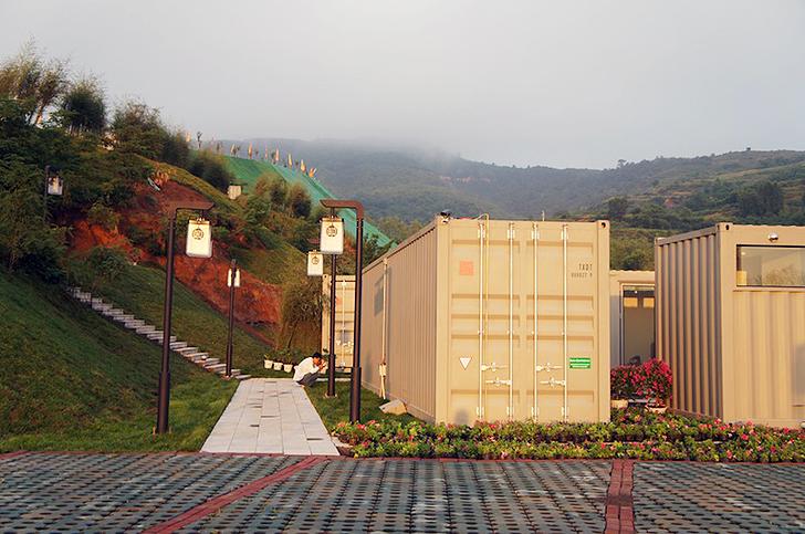 hoteles construidos con contenedores