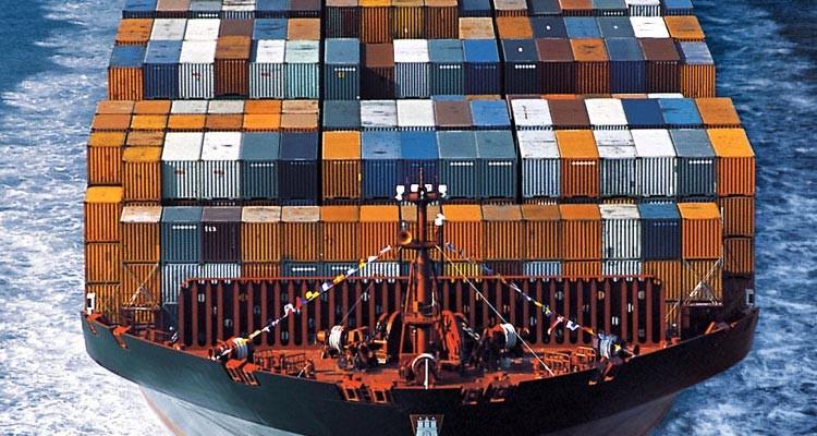 en que nos beneficia el transporte maritimo